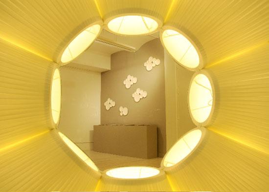 accumulation d 39 abat jour la lampe sculpture french cancan. Black Bedroom Furniture Sets. Home Design Ideas