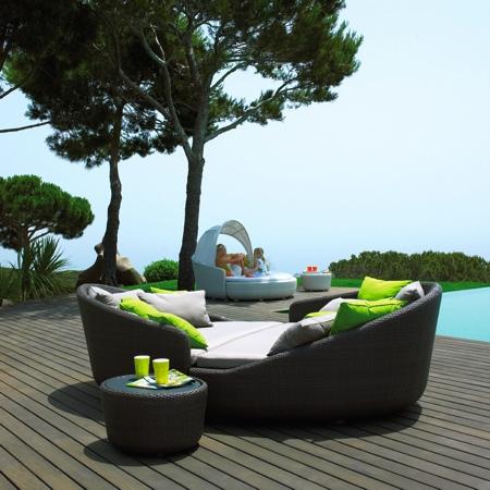 Salon de jardin en resine for Fabriquer son mobilier de jardin