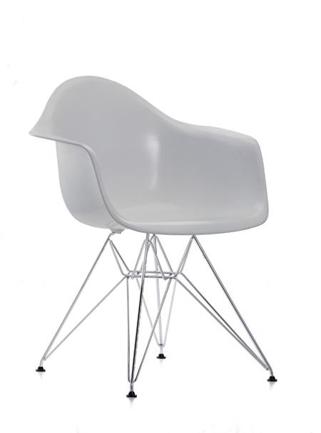 nouvelles couleurs pour les chaises eames. Black Bedroom Furniture Sets. Home Design Ideas