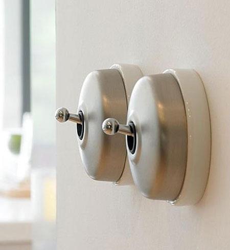interrupteurs l 39 ancienne de chez fontini. Black Bedroom Furniture Sets. Home Design Ideas