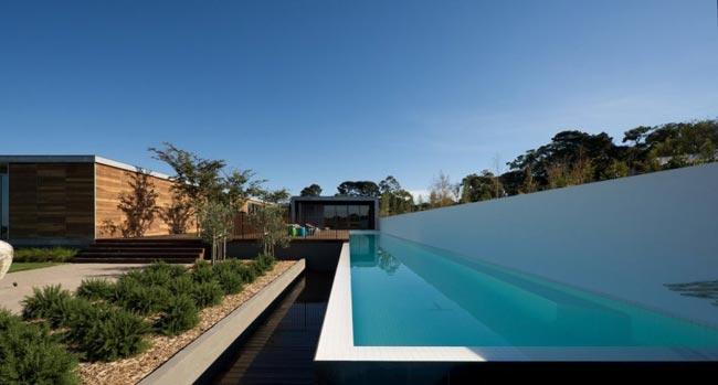 Villa design piscine et vue sur la mer for Villa design avec piscine