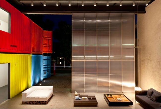 Maison design avec conteneurs color s for Vivre container