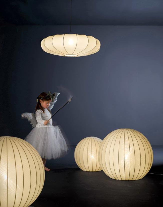 lampe design physalis et zeppelin. Black Bedroom Furniture Sets. Home Design Ideas