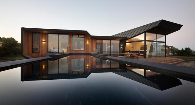 maison design en bord de plage par bkk architects. Black Bedroom Furniture Sets. Home Design Ideas