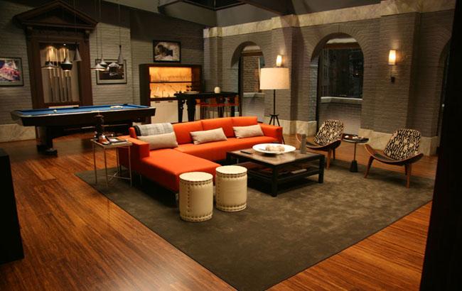 l 39 appartement de chuck bass dans gossip girl. Black Bedroom Furniture Sets. Home Design Ideas