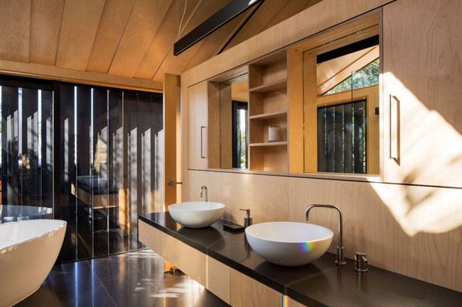 Maison design salle de bain bois