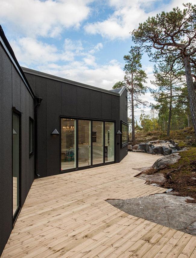 Maison design suedoise en noir et blanc 2