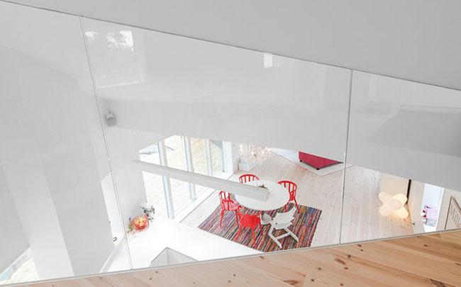 Maison design suedoise en noir et blanc 6