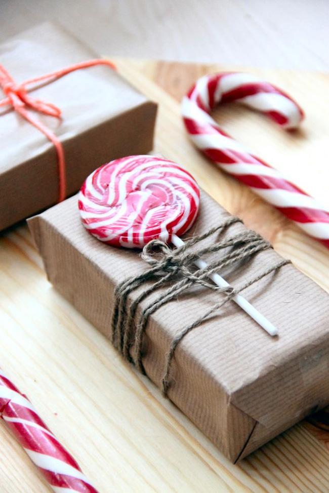 Paquet cadeau kraft et sucre d'orge
