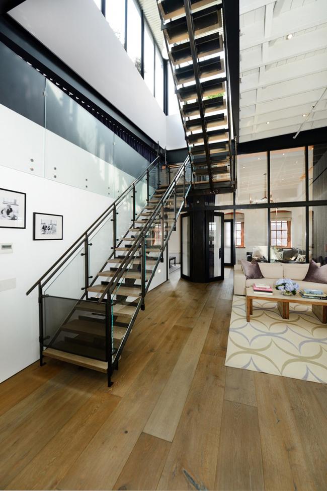 Loft new york escaliers metal
