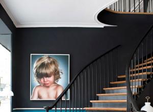 Escaliers repeint contremarches noires