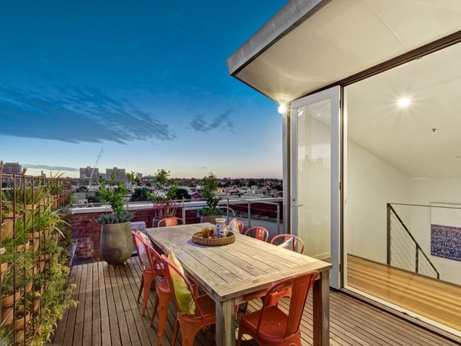 terrasse amenag e sur les toits. Black Bedroom Furniture Sets. Home Design Ideas
