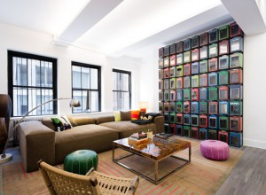 grand salon dans loft new-yorkais