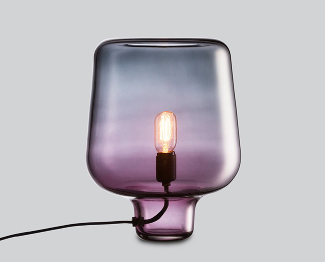 Luminaire design en verre color for Grosse lampe a poser