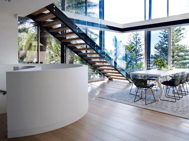 Maison moderne en bord de mer - Maison moderne bord de mer ...