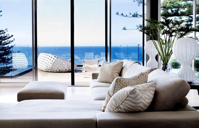 Salon maison en bord de mer - Maison moderne bord de mer ...