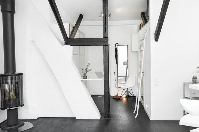 Appartement mansarde avec toit en verre 12