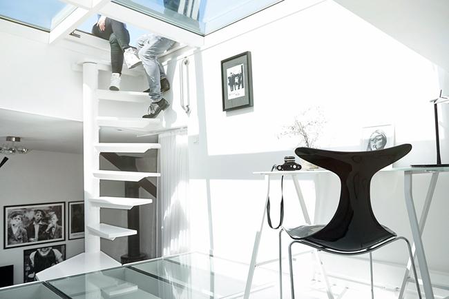 Appartement mansarde avec toit en verre 9