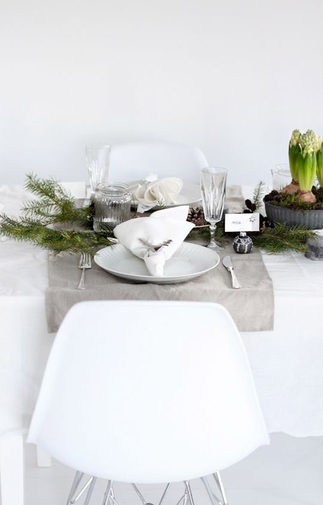 Idee deco table Noel grise et blanche