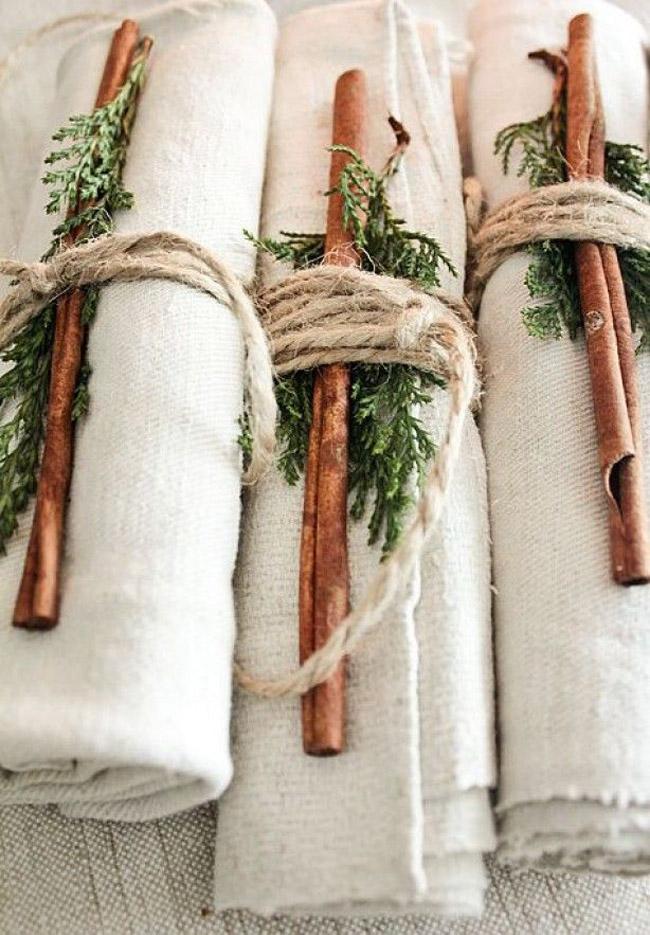 Idee deco table Noel avec branches de sapin