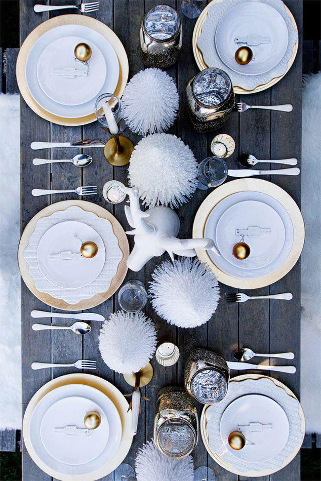 15 id es d co pour une belle table de no l - Deco table noel argent et blanc ...