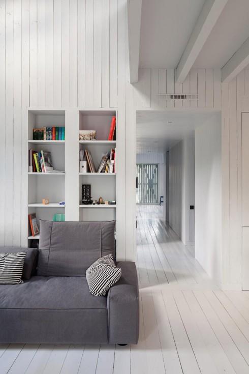 Maison design en bois blanc 7