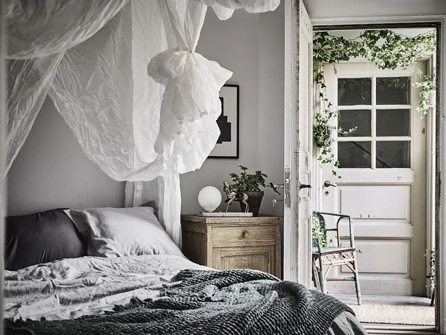 Chambre avec ciel de lit