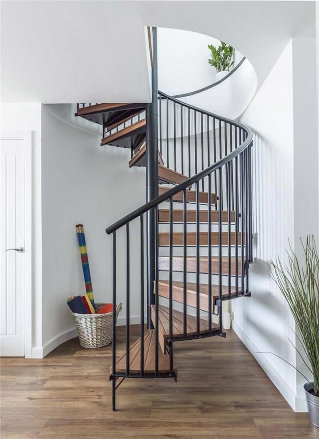 Escalier colimacon bois et metal