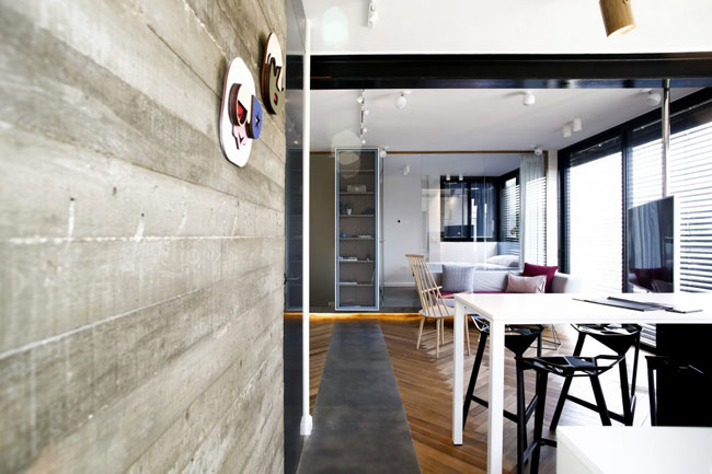 petit appartement avec mur beton. Black Bedroom Furniture Sets. Home Design Ideas