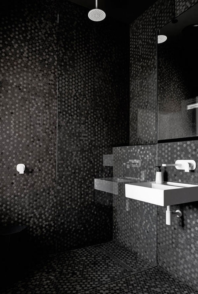 mosaique noire salle de bain. Black Bedroom Furniture Sets. Home Design Ideas