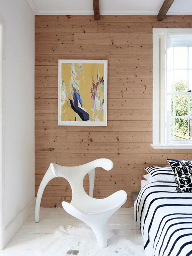 Chambre avec chaise design