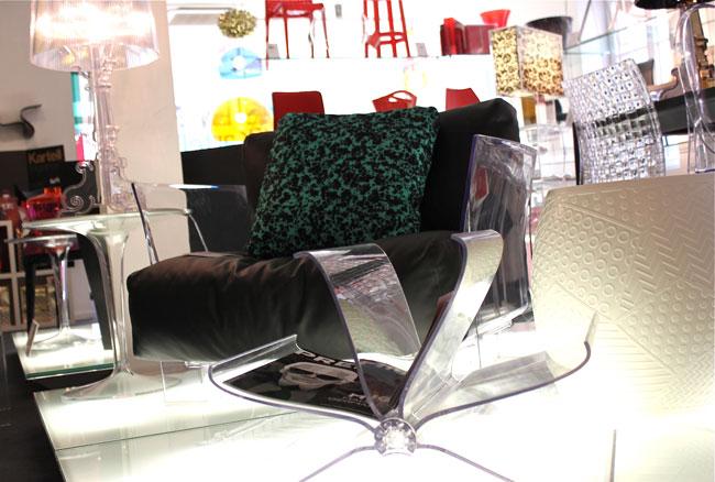 nouvelles aventures chez kartell. Black Bedroom Furniture Sets. Home Design Ideas