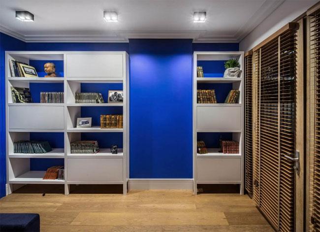 idee-deco-mur-bleu-vif