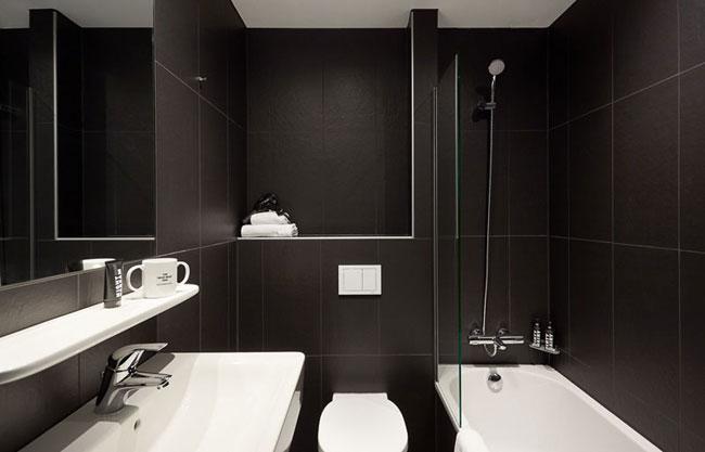salle de bain noire. Black Bedroom Furniture Sets. Home Design Ideas