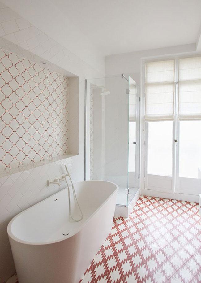 Salle de bain blanche et rouge for Salle de bain rouge et blanche